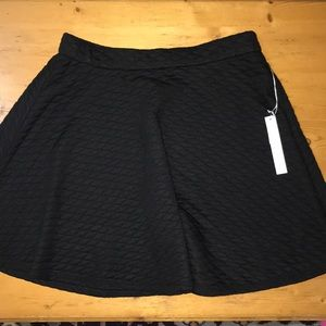 Lauren Conrad Quilted Knit Skirt Medium Black